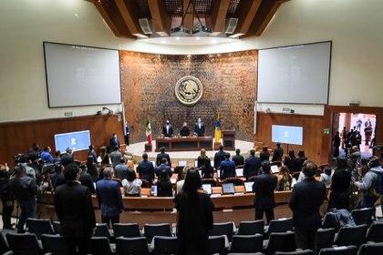 Varios legisladores de la oposición lo criticaron por la inseguridad y las ejecuciones extrajudiciales de la policía en el estado (Foto: Twitter/EnriqueAlfaroR)