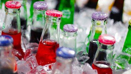 Mientras más bebidas azucaradas bebe una persona, más aumenta el riesgo de muerte prematura por cualquier causa Foto: Archivo