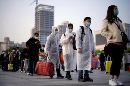 El nuevo estudio afirma que, aunque el COVID-19 surgió en Wuhan, la población local fue afectada principalmente por una mutación del virus definida como tipo B (REUTERS/Aly Song)
