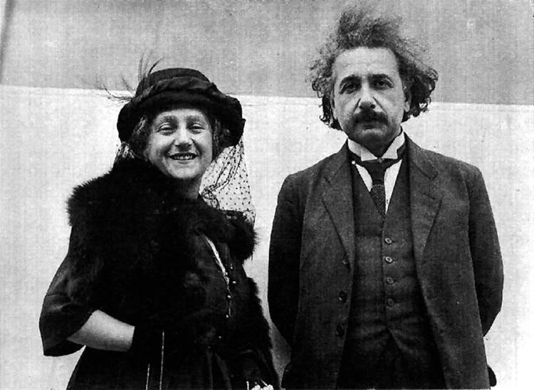 Einstein junto a su segunda esposa, Elsa Lowenthal