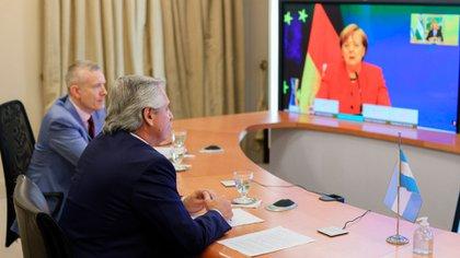 Alberto Fernández mantuvo una charla este lunes con Angela Merkel