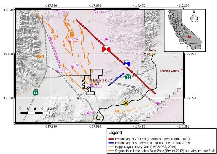 La línea roja muestra lo que vimos en el video de arriba, la línea que sigue la actividad sísmica del terremoto de 7,1 de magnitud, mientras que la línea azul sigue la trayectoria que tuvo el de 6,4 Foto: USGC