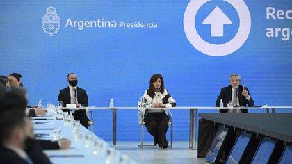 Cavallo criticó a Cristina Kirchner, a Martín Guzmán y a Alberto Fernández. (Juan Mabromata / AP)