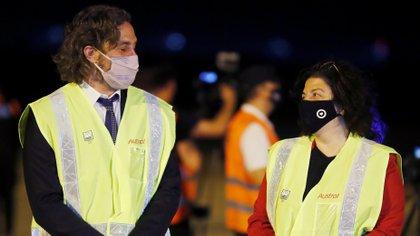 El jefe de Gabinete, Santiago Cafiero, y la ministra de Salud, Carla Vizzotti (REUTERS/Agustin Marcarian)