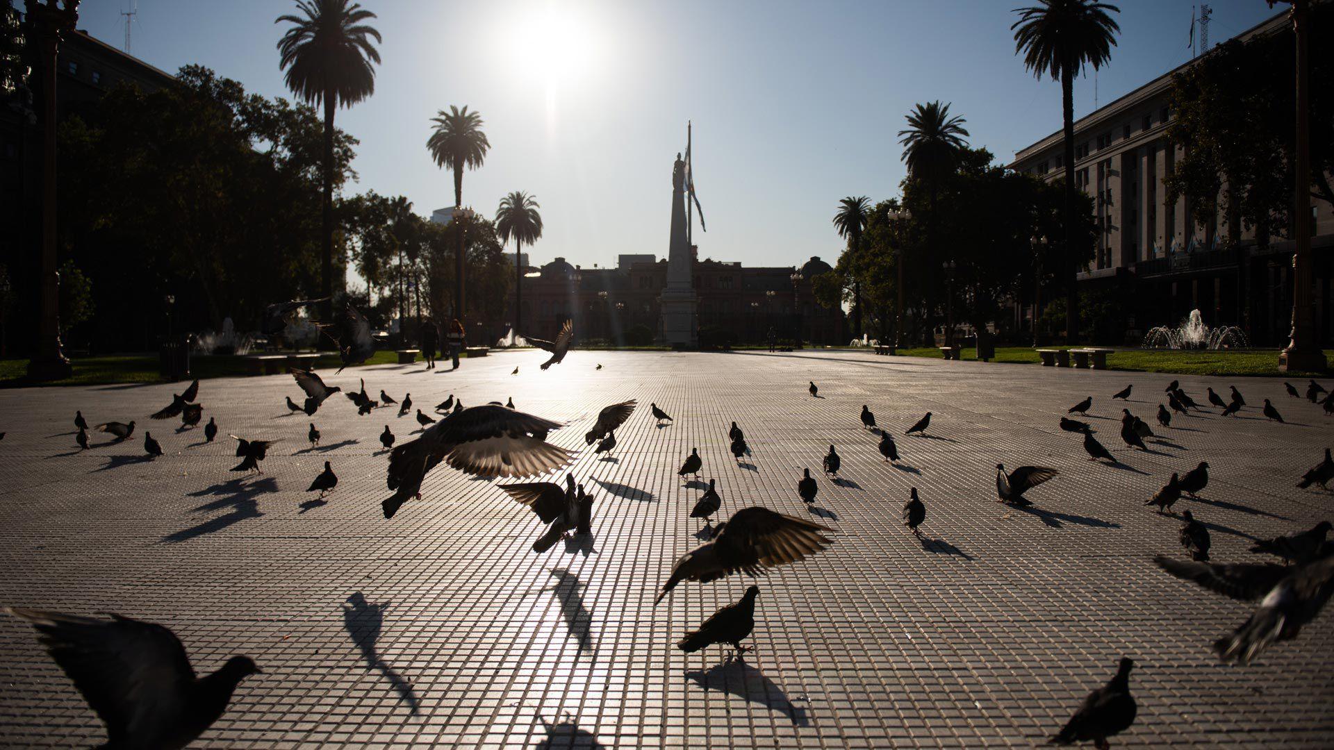 La Argentina vivió ayer su primer día en cuarentena (Adrián Escandar)
