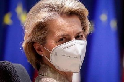 La Unión Europea (UE) reforzó el miércoles su seguimiento de las exportaciones de vacunas contra el virus corona, dándole más oportunidades para prevenir las exportaciones a países con mayores tasas de vacunación (REUTERS).