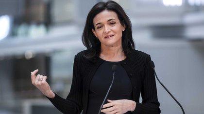 Sheryl Sandberg fue una de las personas que manifestó su desacuerdo con la perspectiva de Alex Stamos sobre la comunicación de la injerencia rusa. ( Vincent Isore/IP3/Getty Images)