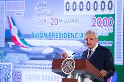Una de las primeras decisiones de López Obrador como presidente fue vender el avión presidencial, un lujoso Boeing 787.