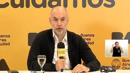 Horacio Rodríguez Larreta, en una recienbte conferencia de prensa. Dicen que fue sorprendido por el anuncio presidencial.