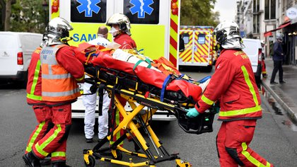 El primer ministro Jean Castex confirmó que los dos heridos están graves (Photo by Alain JOCARD / AFP)