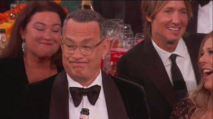 La cara de Tom Hanks cuando Ricky Gervais subió al escenario de los Globos de Oro