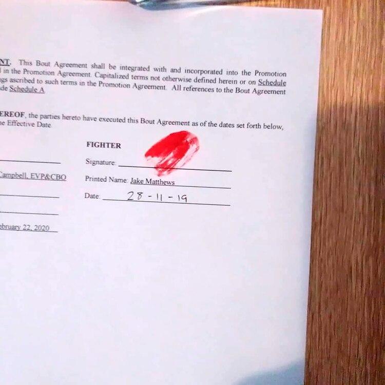 El contrato firmado con sangre de Jake Matthews (@jakematthewsufc)