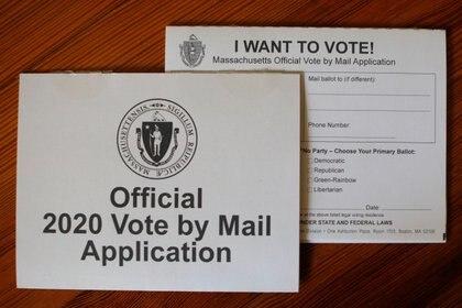 Ejemplo de solicitud de voto por correo, en Massachusetts (Reuters)