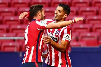 Suárez busca hacer historia en el Atlético de Madrid (Reuters)