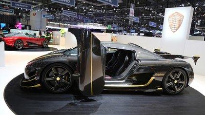 El Koenigsegg Agera RS Gryphon combina a la perfección el carbono y el oro (GT Spirit)