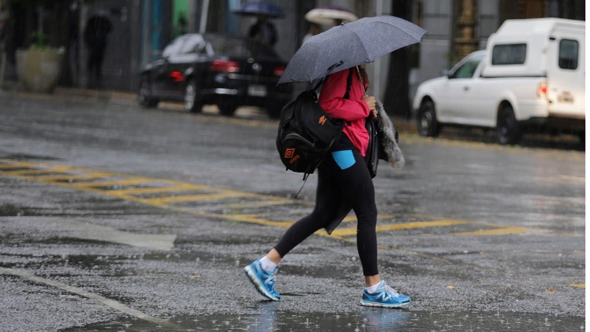 Fuertes lluvias en Capital Federal, provincia de Buenos Aires, Córdoba y Santa Fe - infobae
