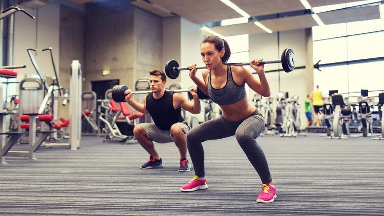 La actividad física y el movimiento diario representan cerca del 25% de nuestro consumo energético (Shutterstock)