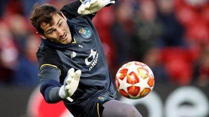 El futuro del futbolista en el deporte es incierto (Reuters)