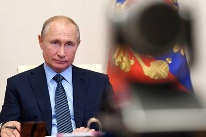 Vladimir Putin continúa en modalidad de teletrabajo por la pandemia (Reuters/Kremlin)