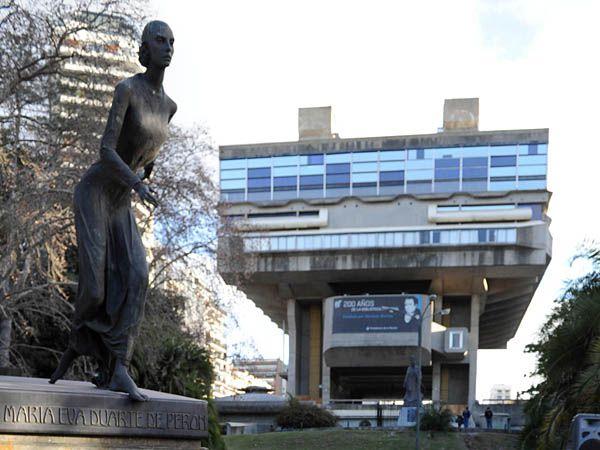La Biblioteca Nacional, tal vez una de las expresiones más brutales del célebre arquitecto Clorindo Testa
