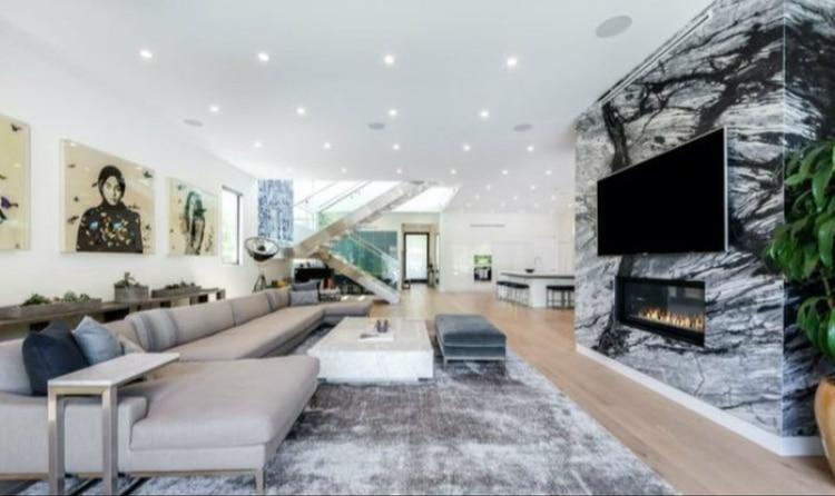La mansión de Belinda cuenta con amplios espacios (Foto: Realtor.com)