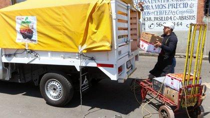 La CDMX estableció algunas medidas y protocolos que deben de seguir en las diversas áreas de logística y comercialización de mercancía. (Foto: Cuartoscuro)