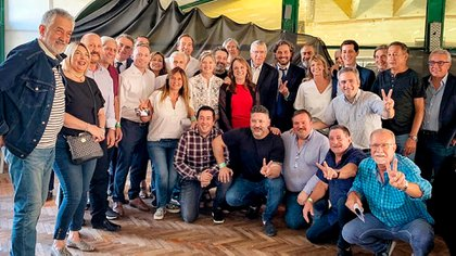 Ministros, sindicalistas, intendentes y legisladores en el congreso nacional del PJ