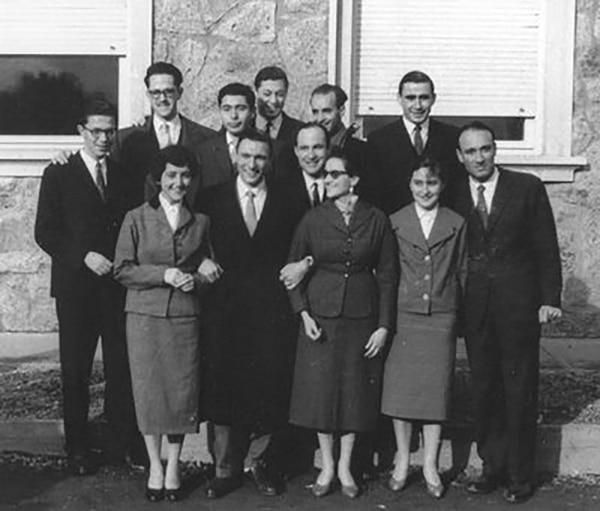 Gentile junto a sus compañeros de promoción, en 1959