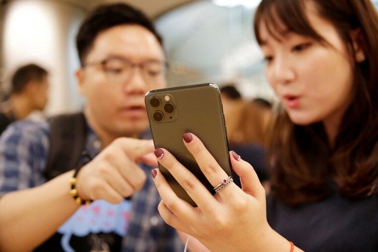El iPhone 11 Pro se lanzó en septiembre de 2019 (REUTERS/Jason Lee/File Photo)