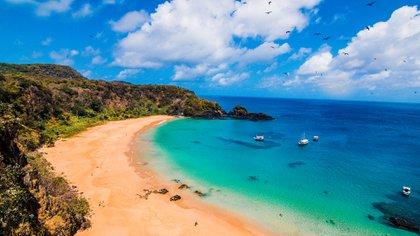Ahora esta isla de Brasil solamente va a recibir a turistas que hayan tenido el covid-19 (@argentinayelmundo)