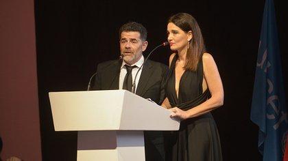 Julián Weich, embajador de UNICEF Argentina, y Verónica Varano fueron los conductores del evento