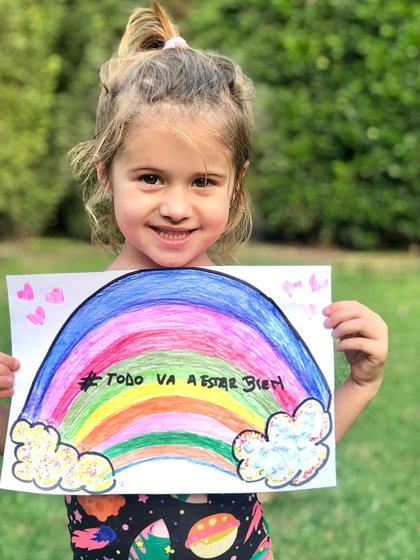 Giovanna, la hija de María Fernanda Callejón pintó su arcoíris