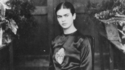 La pintora Frida Kahlo a quien Salma Hayek protagonizó en 2002 (Foto: INAH)