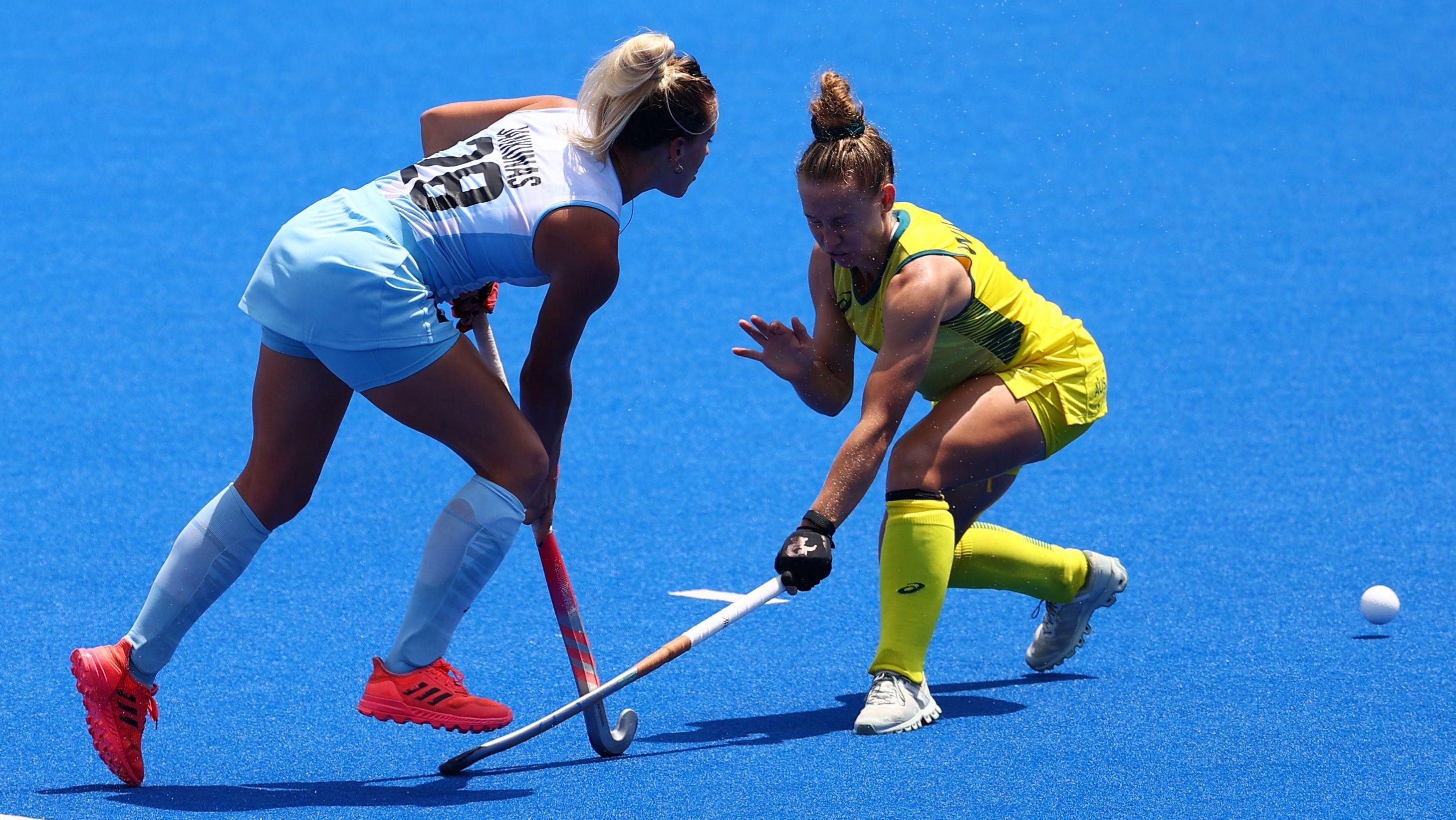 Las Leonas se enfrentaron a Australia en el cierre de la fase de grupos en Tokio 2020 (REUTERS/Bernadett Szabo)