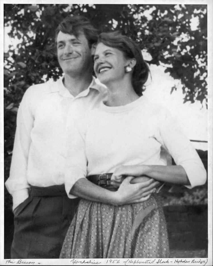 Ted Hughes y Sylvia Plath in Yorkshire, Reino Unido, 1956