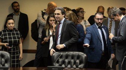 Ramos Padilla al llegar a la audiencia pública hoy en el Consejo (Adrián Escandar)