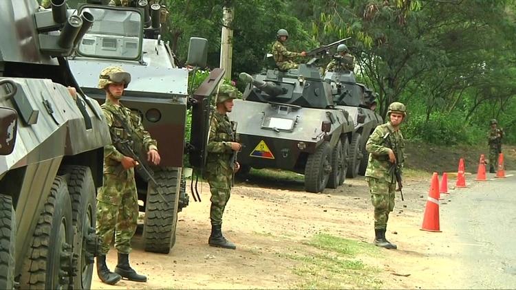 Ejercicios militares venezolanos en la frontera con Colombia