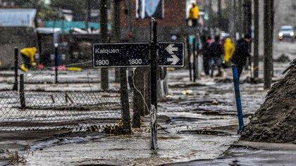 Las inundaciones que azotaron la ciudad de Comodoro Rivadavia desde el pasado miércoles y que el domingo sufrieron nuevamente las fuertes lluvias (Florencia Downes/Télam)