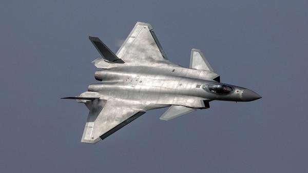 El Chengdu J-20 es un avión de quinta generación chino de tecnología Stealth