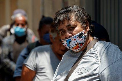 Reparto de comida comunitaria en Ciudad de México EFE/Jose Mendez