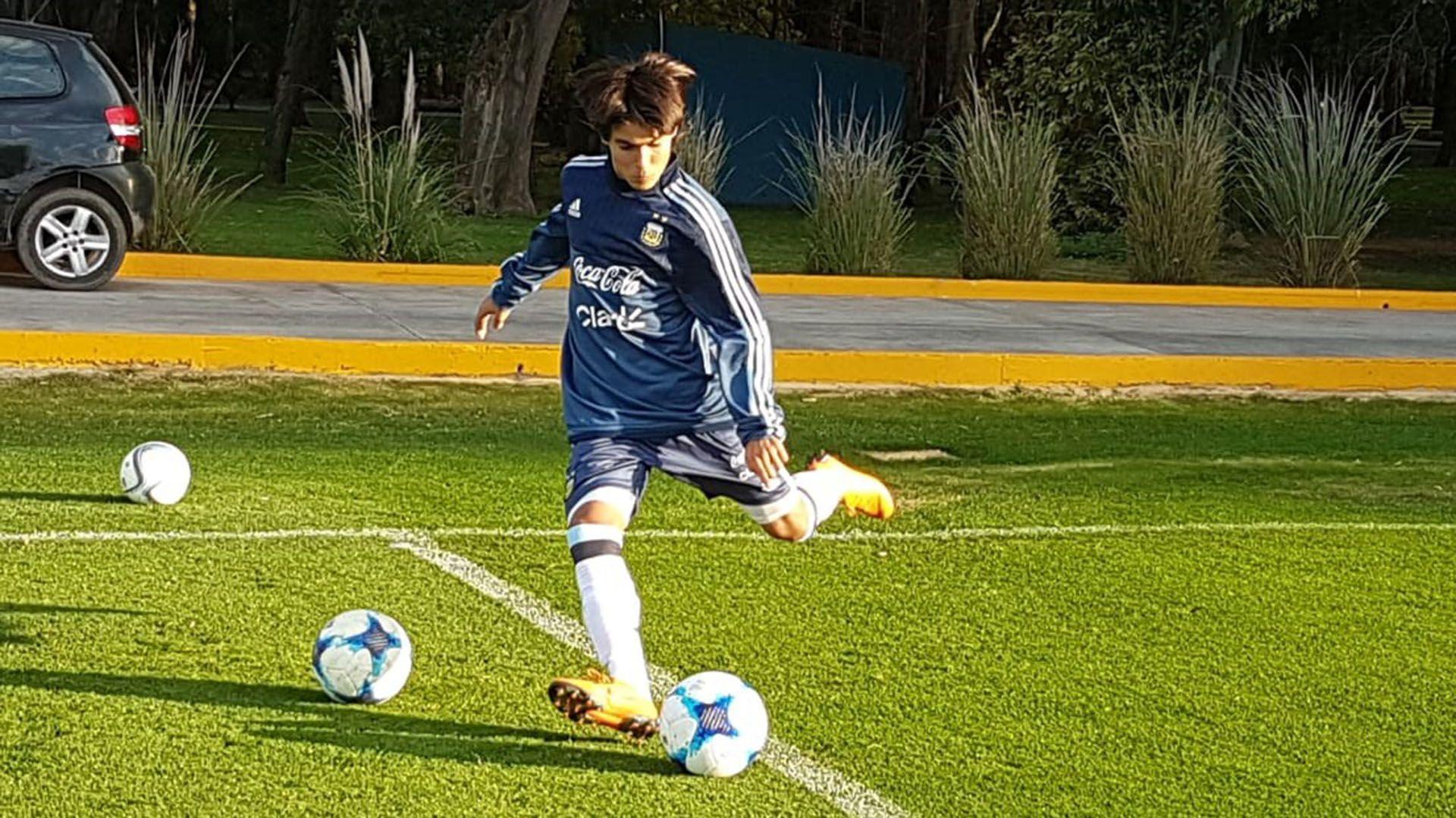 Luka Romero, otro de los chicos que fue captado por la selección argentina -a los 15-, para evitar que jugara para otro país.
