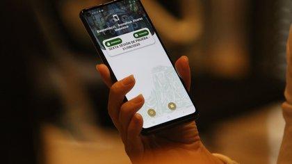 En la Cámara de Diputados, para la sesiones semipresenciales se usan teléfonos inteligentes para votar y pasar lista (Foto: Moisés Pablo/ Cuartoscuro)