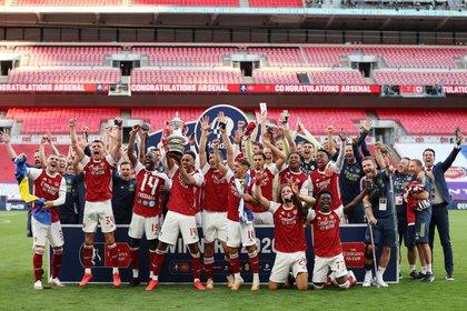 El Arsenal FC levantó el 14° trofeo de FA Cup de su historia, siendo el club más ganador del certamen (REUTERS)