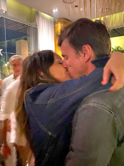 Pampita saludó con un romántico beso de cumpleaños a su marido (@pampitaoficial)