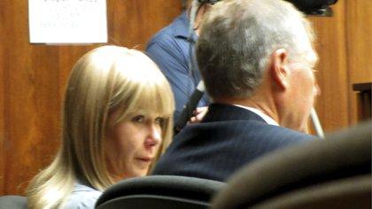 Alexandria Duval y su abogado defensor, Birney Bervar, este lunes durante el inicio del juicio por el homicidio de su hermana (AP)