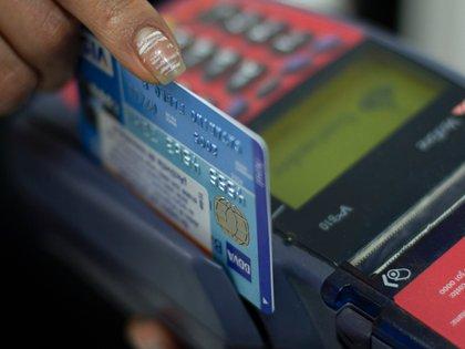 El fin de semana pasado, transacciones por miles de millones de pesos no se pudieron llevar a cabo. (Foto: Moisés Pablo/ Cuartoscuro)