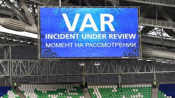 El VARse utilizó durante la Copa Confederaciones 2017 que se disputó en Rusia (AP)