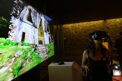 La experiencia en realidad virtual permite visitar y estudiar más detalladamente lugares a los que en la actualidad ya no se puede acceder. (Foto: Fernando Guarneros Olmos/Infobae México)
