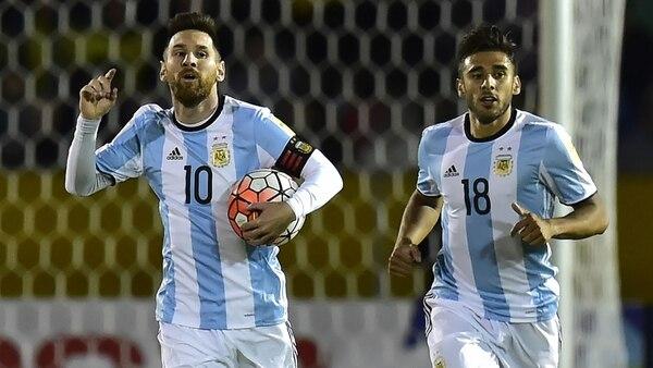 Lionel Messi celebra uno de los goles ante Ecuador (AFP)