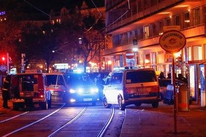 "Seis ataques ""aparentemente terroristas"" tuvieron lugar en Viena (REUTERS/Leonhard Foeger)"